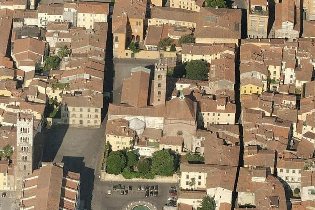 Le baptistère et l'église Saint-Jean
