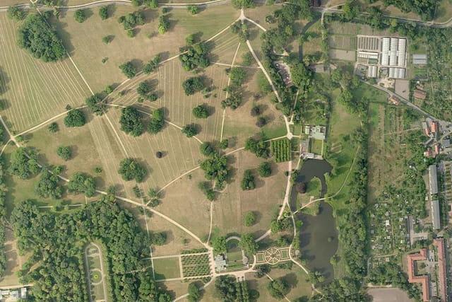 Le parc de Sans-Souci : thermes romains