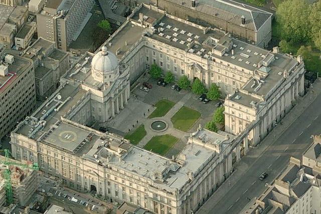 Les bâtiments ministériels