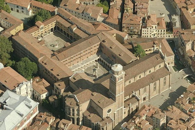 L'église Santa Maria Gloriosa dei Frari