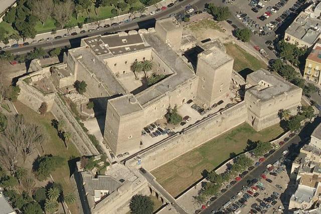 Le château de l'Aquila