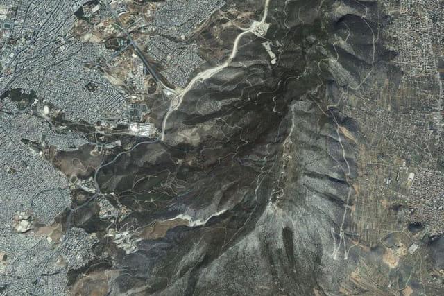 Les pentes du mont Hymette