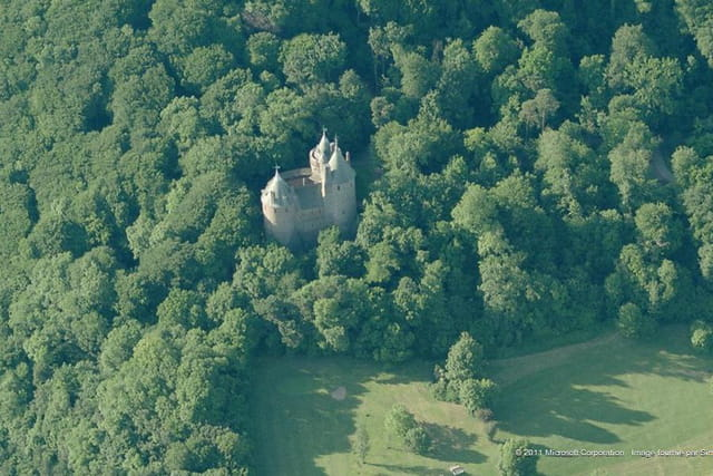 Le Castell Coch