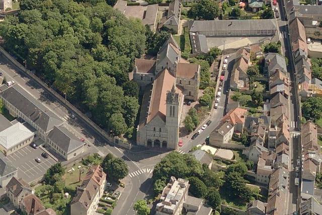 Le cimetière et l'église Saint-Nicolas