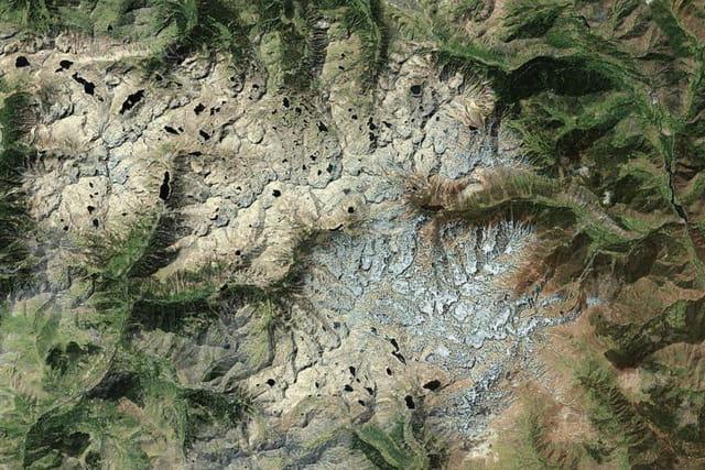 Le parc national d'Aigüestortes et le lac Saint-Maurice