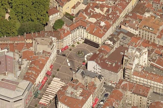 Place Grenette à Grenoble