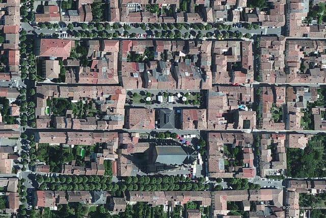 La place du Maréchal-Leclerc de Mirepoix