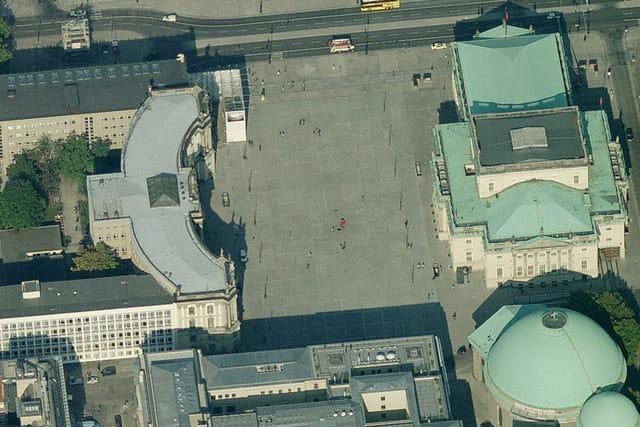 La Bebelplatz de Berlin